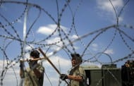 Migranti isekli mađarsku ogradu