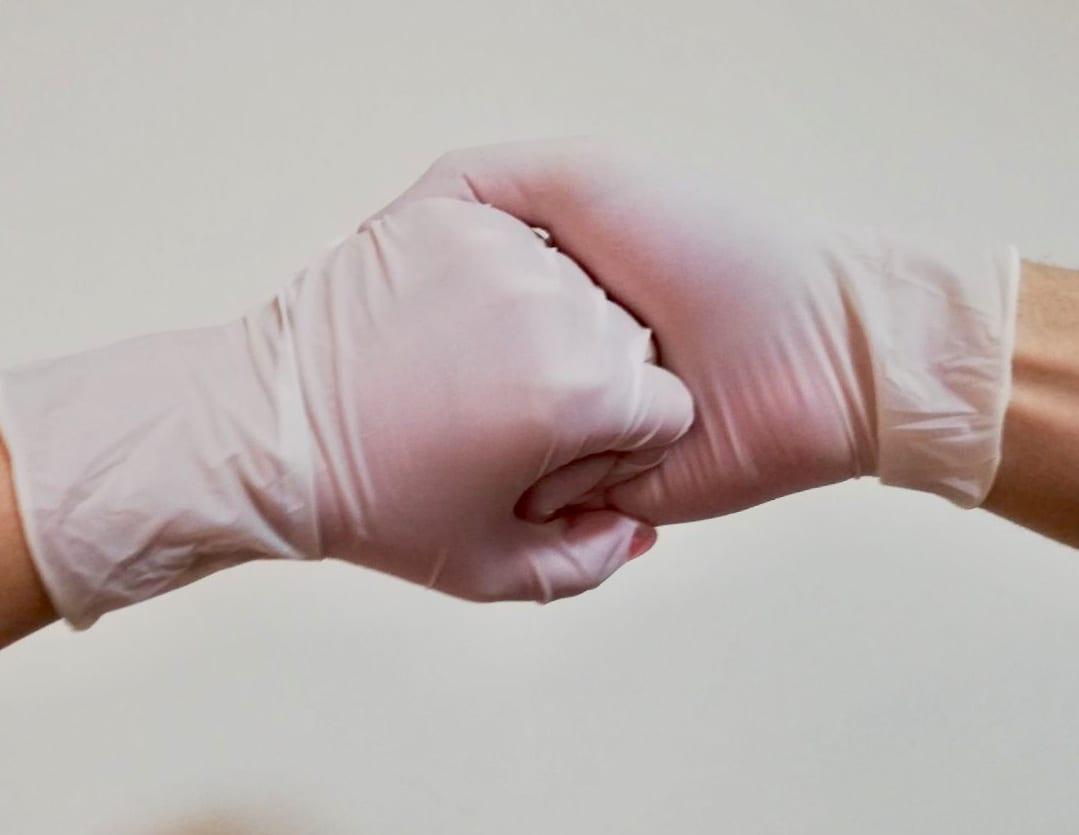 STRUČNJACI: MANIPULACIJE INFORMACIJAMA O VIRUSU KORONA JAČAJU STRAHOVE I KONFUZIJU U DRUŠTVU