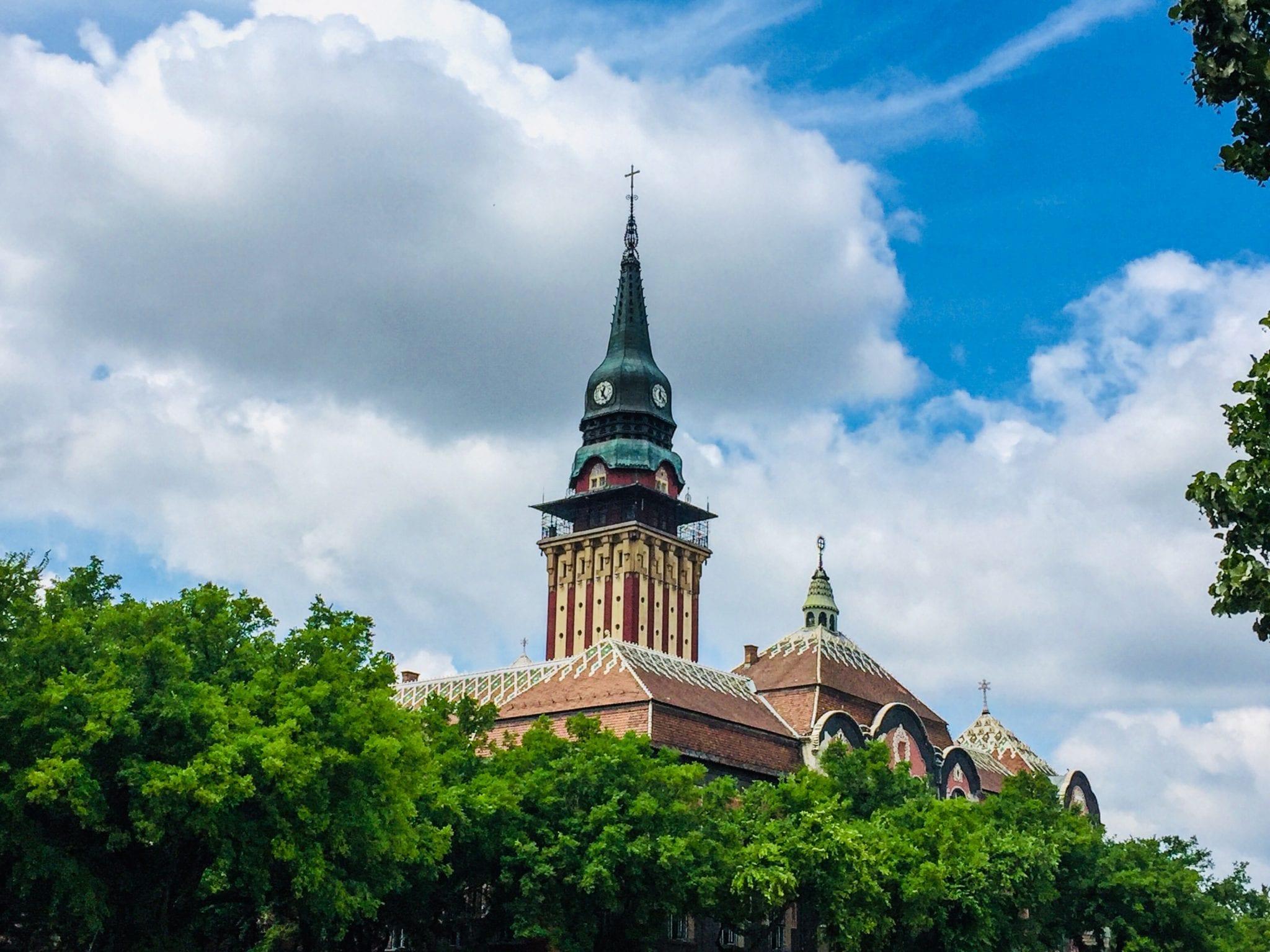 Subotica: Dve najveće stranke, SNS i SVM, nisu odgovorile na pitanja portala Magločistač
